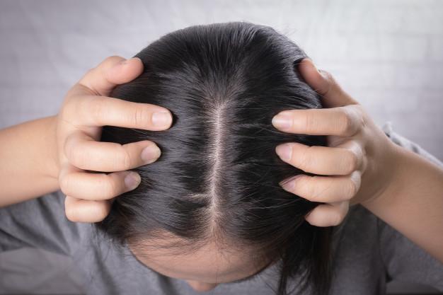 أفضل بخاخ لإنبات الشعر عند النساء و نتائجه مضمونة